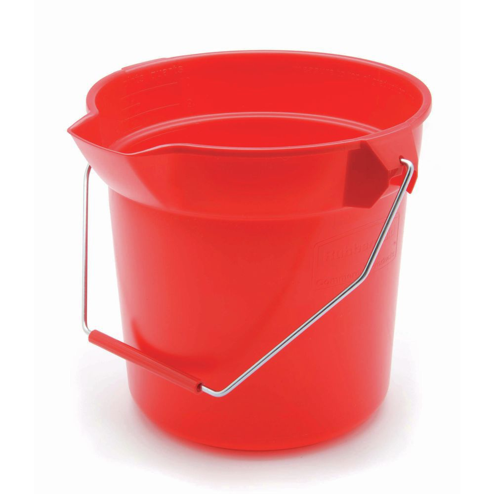 Rubbermaid Bucket has Thick Rim and Spout for Pouring