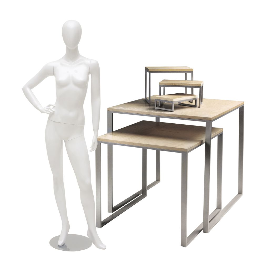 KIT, MANNEQUIN, RISERS, TABLES, DELUXE
